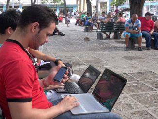 Cubanos conectados